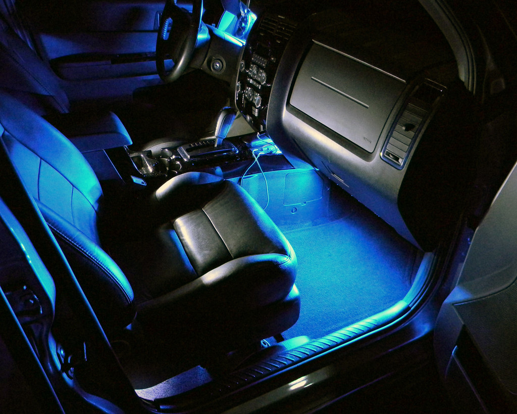 Passenger seat night this is the passenger seat of my ca flickr for Interior car light laws california