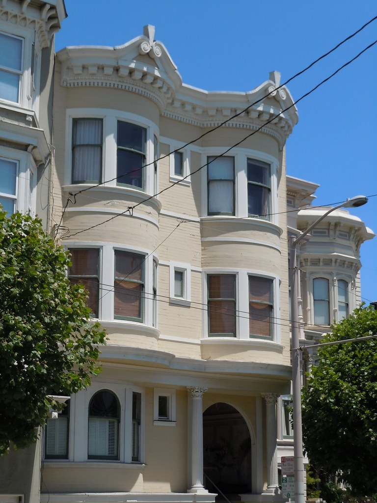 Edwardian colonial revival with an unusual cornice flickr for Colonial cornice