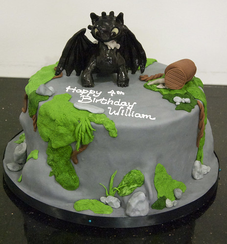 Toothless Cake Pan