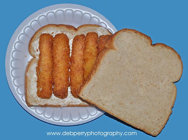 Fish stick sandwich fish sticks on white bread with for Fish stick sandwich