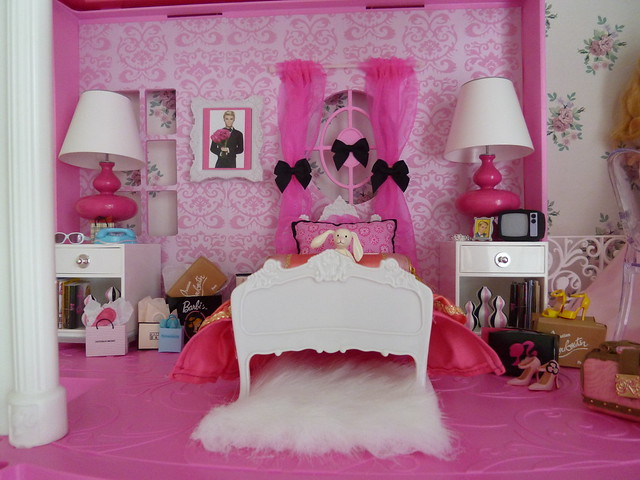 Barbie dreamhouse bedroom flickr photo sharing for Barbie dream house bedroom