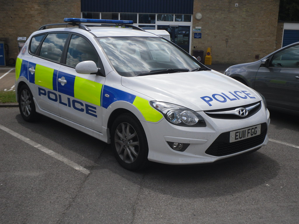 essex police hyundai i30 response car eu11 fg. Black Bedroom Furniture Sets. Home Design Ideas