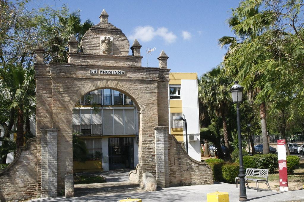 El arco de la prusiana ya puedes leer el reportaje sobre for Metrolux mairena del aljarafe