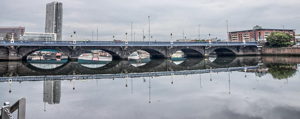 2012 PHOTOGRAPHS OF QUEENS BRIDGE IN BELFAST 006