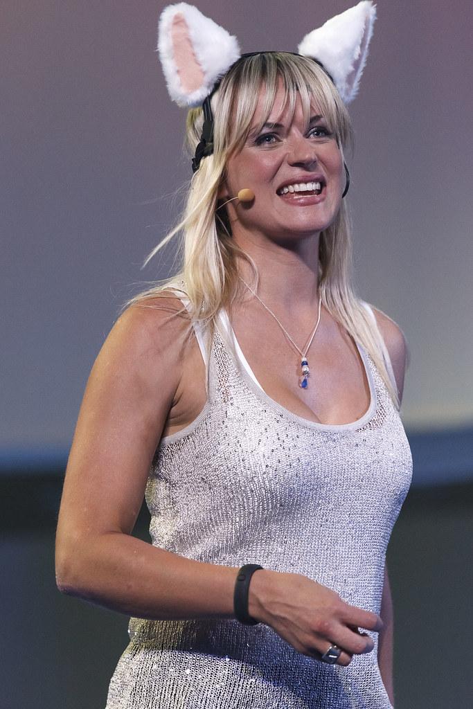 Pollyanna Woodward Gadget Show Live 2012 Neurowear
