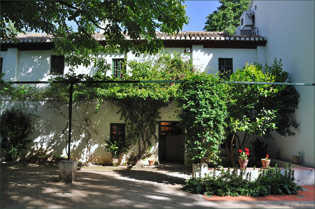 Granada the federico garc a lorca house 2 4 la huerta for Huerta de san vicente muebles