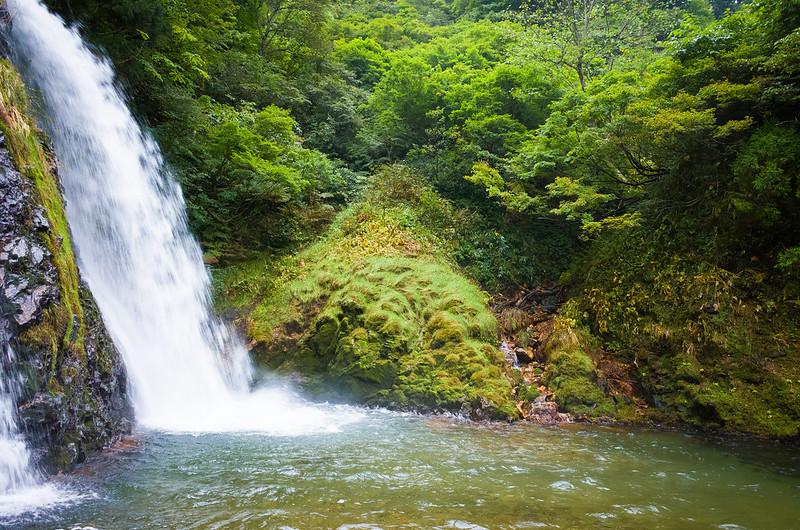 Shirogane falls