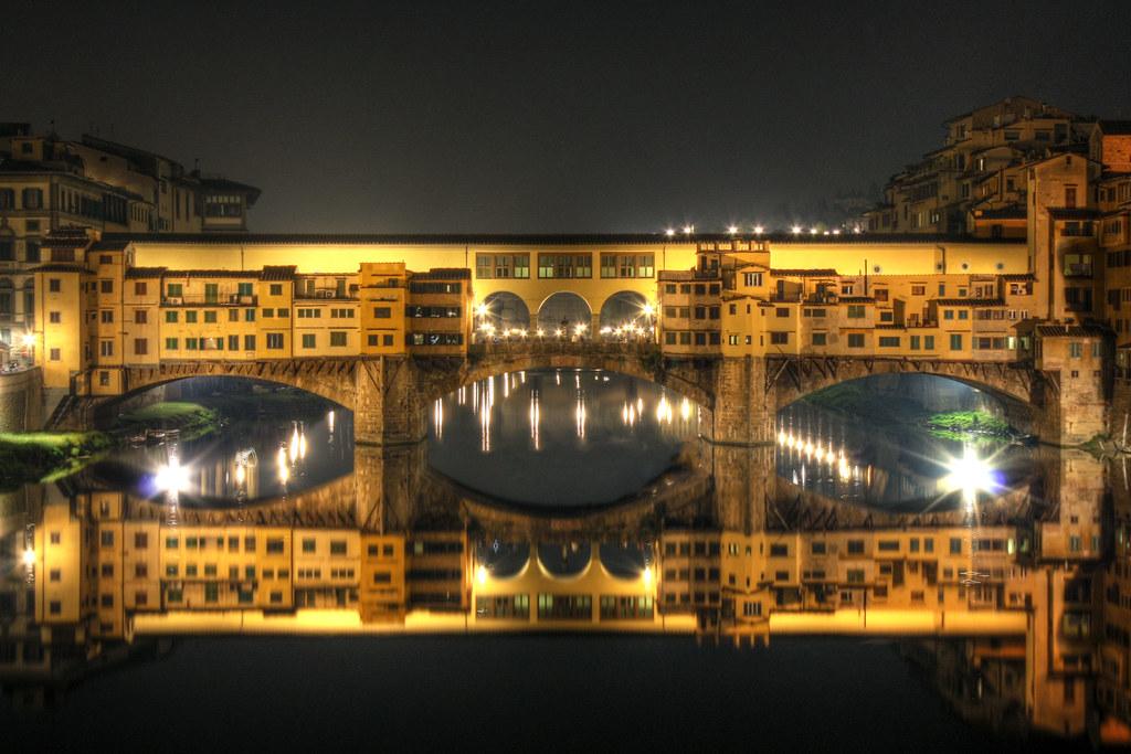 ponte-vecchio-bridge-at-night
