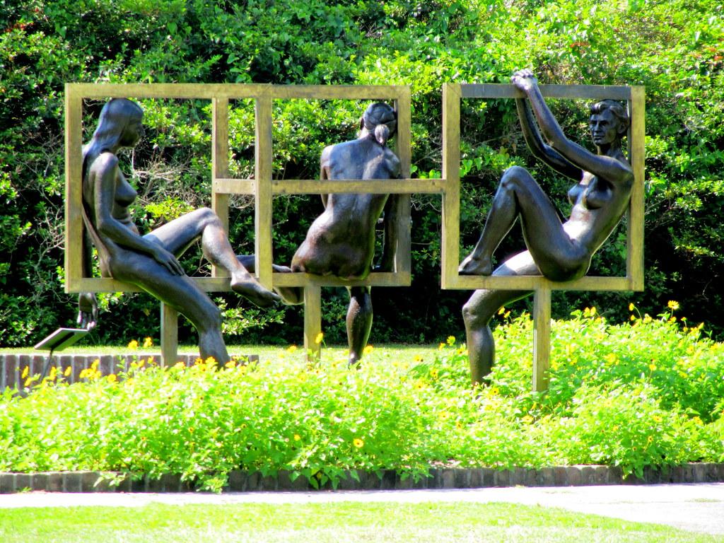 Nude women statues in cubes | Brookgreen Gardens, Murrells I… | Flickr