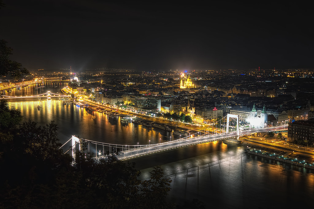 Budapest At Night Tour