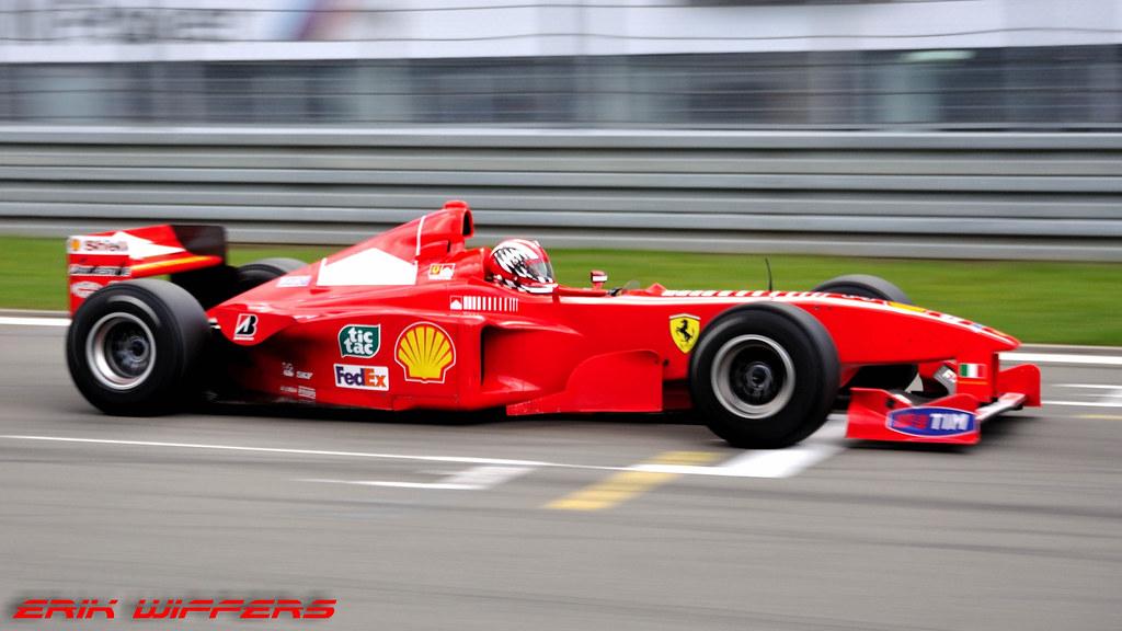 Ferraris Kimi Raikkonen breaks mechanics leg in Bahrain