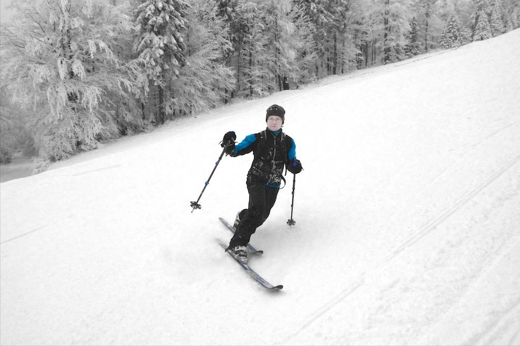 Nelehká jízda na nesourodé vrstvě technického sněhu