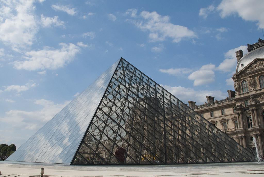 Pyramide du louvre thomas huston flickr - Pyramide du louvre 666 ...