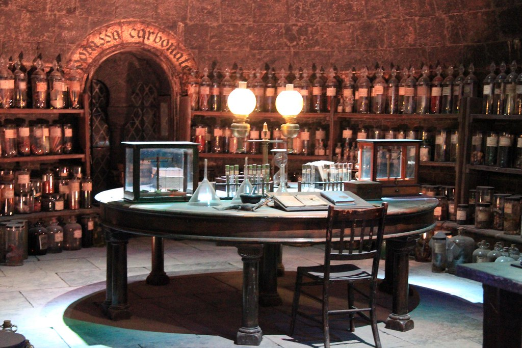 The Making Of Harry Potter 29 05 2012 Potions Classroom