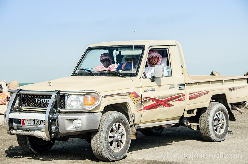 jóvenes omaníes en Masirah