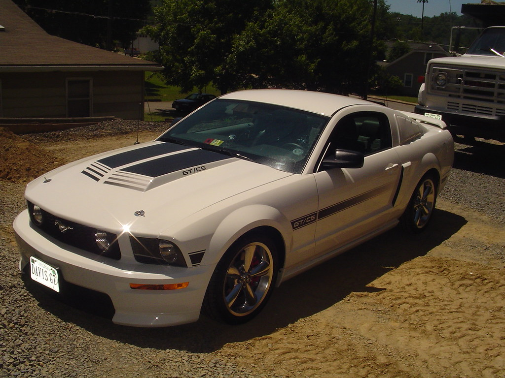 ford mustang gt cs my sister 39 s 2009 ford mustang gt. Black Bedroom Furniture Sets. Home Design Ideas