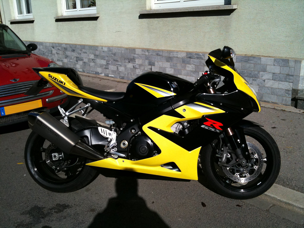 Suzuki Gsxr Gas Tank Black Yellow