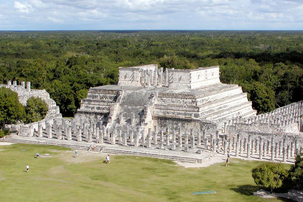 Temple Of Warriors Chichen Itza Yucatan Mexico Temple