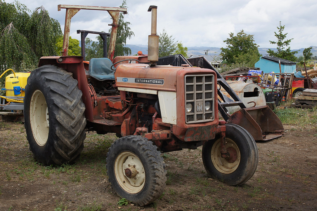 1973 International Tractor : International tractor model production years