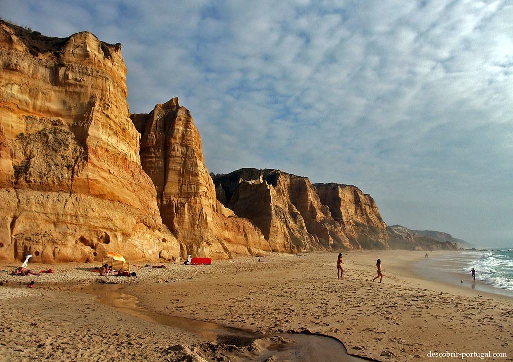 Les falaises de la plage
