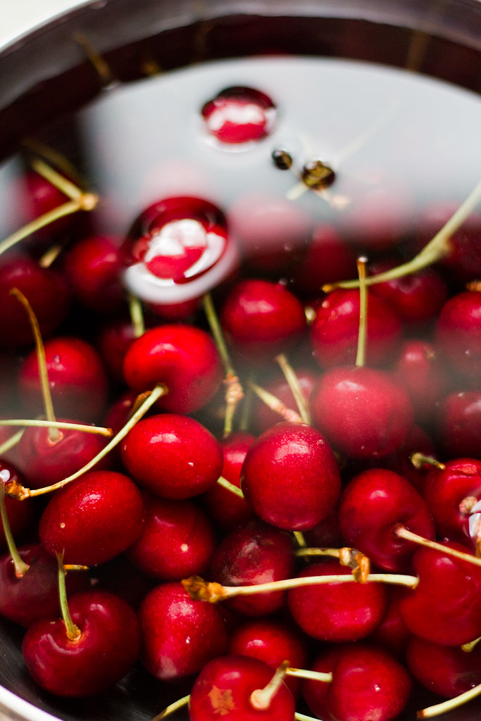 Christmas Cherries | Cristiano Oliveira | Flickr