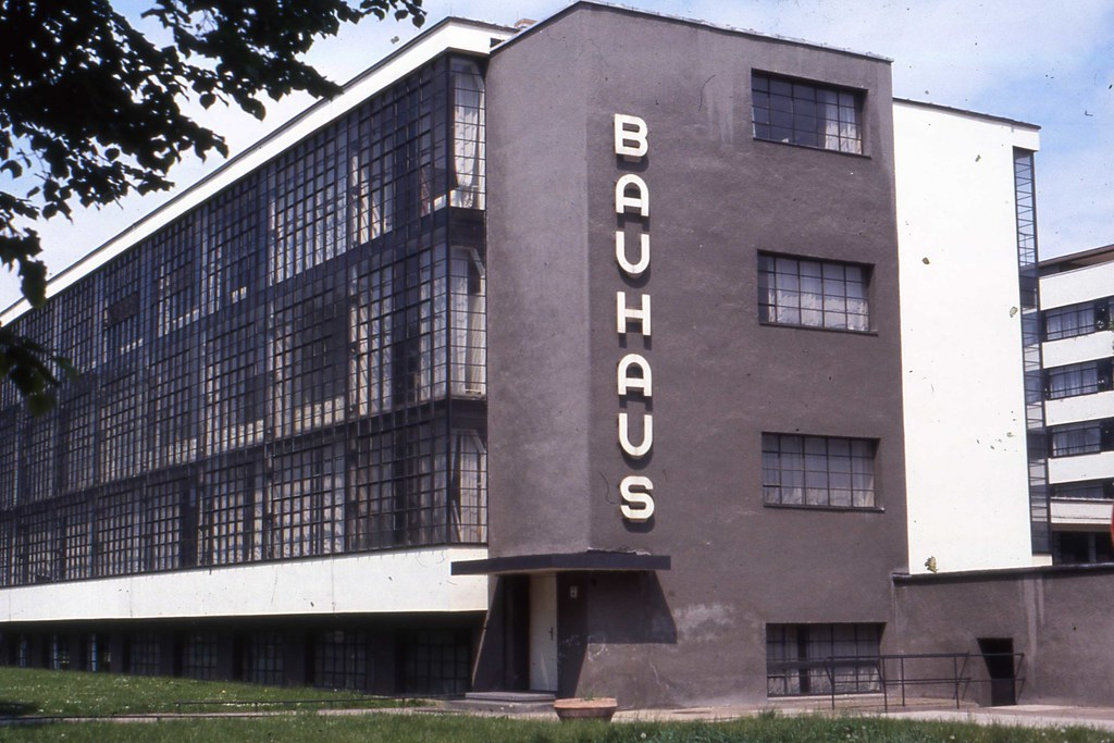 das bauhaus dessau ddr may 1990 cleaned up. Black Bedroom Furniture Sets. Home Design Ideas