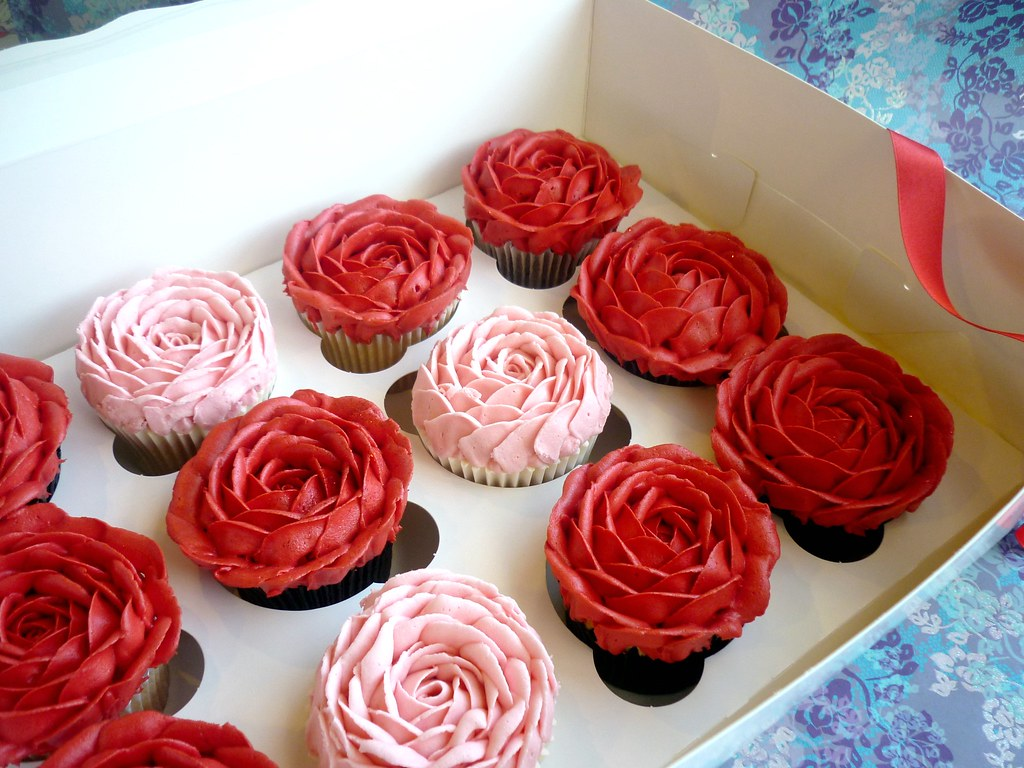 Perfekt Boxed Valentineu0027s Rose Cupcakes | This Is The Star Bakery Vau2026 | Flickr
