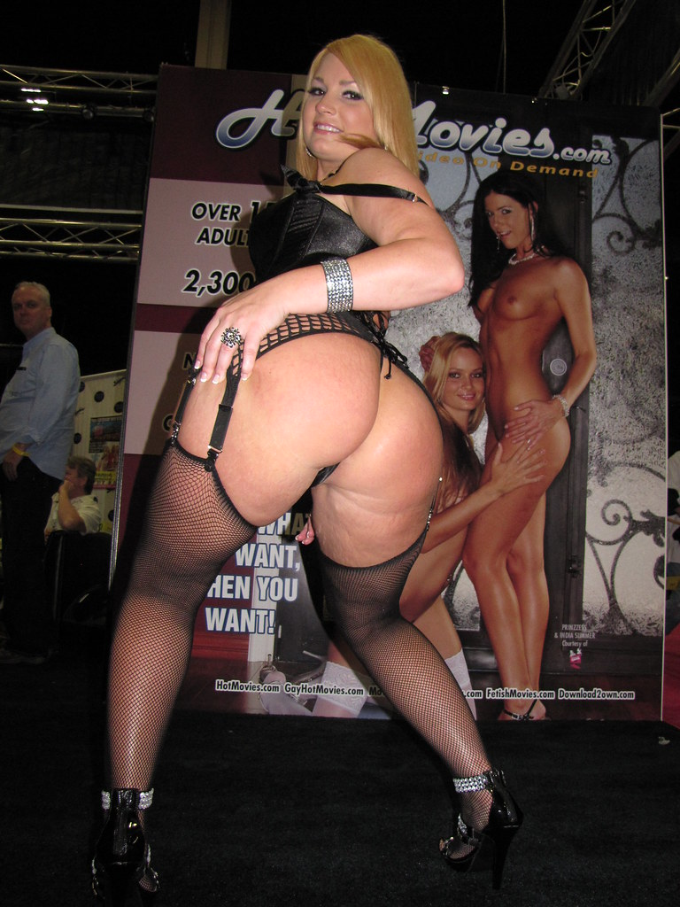 flower tucci naked