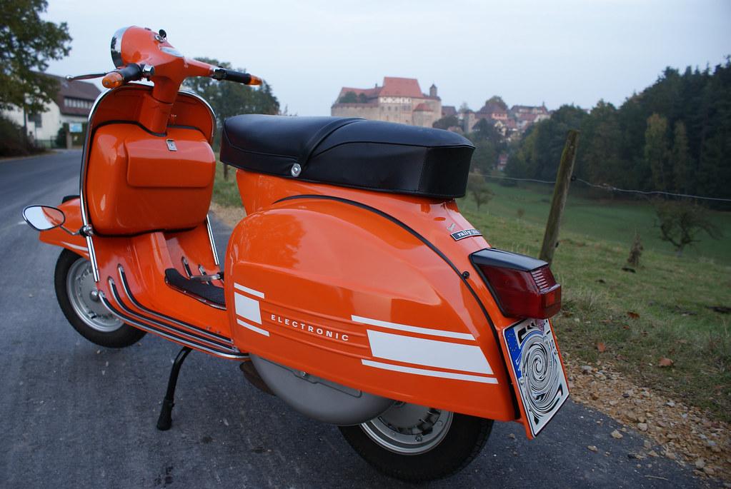 vespa rally 200 and castle autumn in germany efendi17. Black Bedroom Furniture Sets. Home Design Ideas