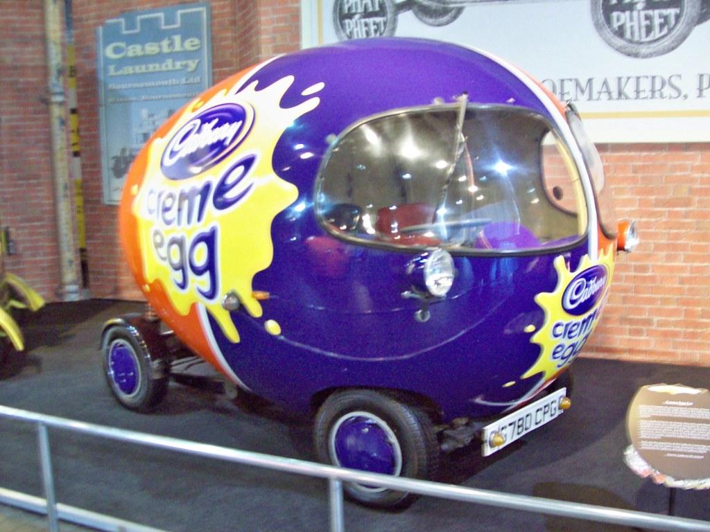 433 Creme Egg Car Creme Egg Car Cadbury Schweppes