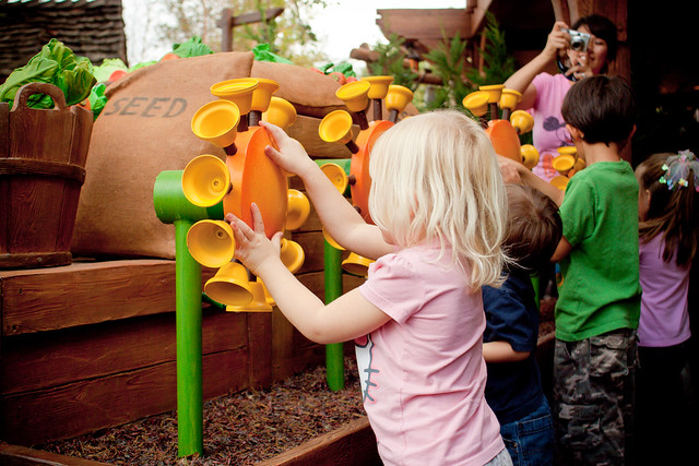 disney world with toddlers - winnie the pooh ride
