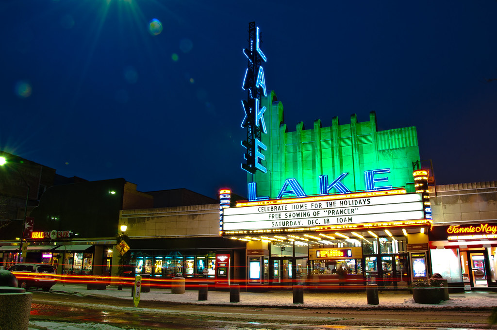 lake theater that 39 s the iconic downtown oak park landmark flickr. Black Bedroom Furniture Sets. Home Design Ideas