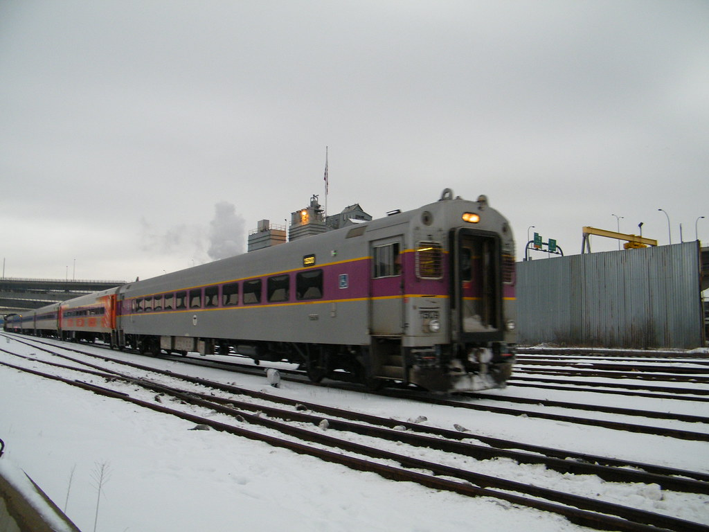 MBTA Commuter Rail train led by MBB CTC-3 Cab Car 1509 pas ...
