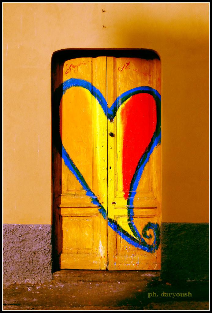 Quanto tornerai troverai la porta chiusa ph daryoush for Porta chiusa