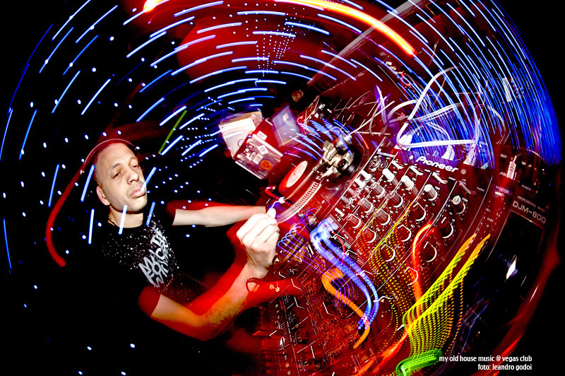 Deejay mimi vegas club festa my old house music for Old house music
