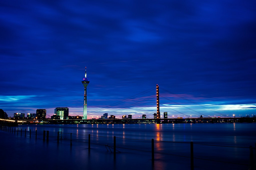 d sseldorf skyline view in lightbox flickr. Black Bedroom Furniture Sets. Home Design Ideas