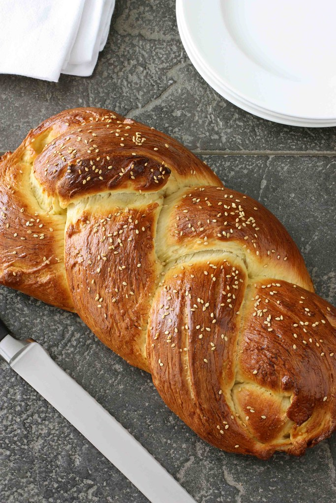 how to serve challah bread