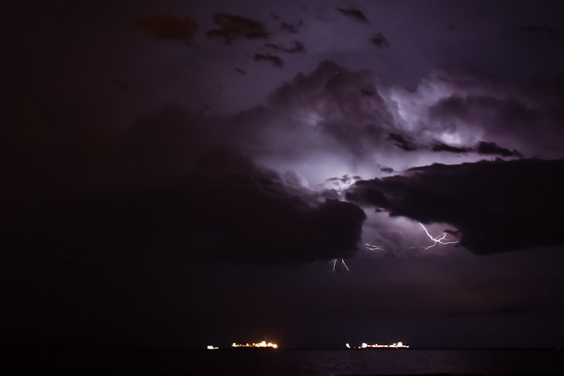 Tormenta En El Mar / Sea Storm
