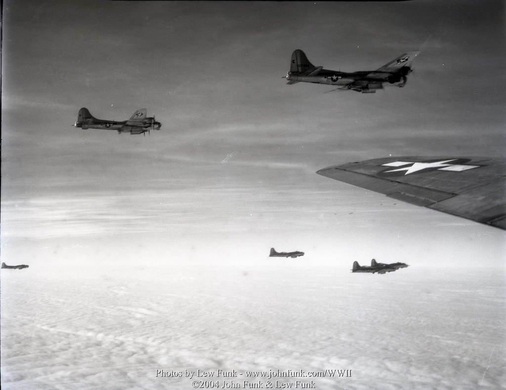 B 17s on mission to aschaffenburg 3 jan 1945 lew funk 39 s for B b aschaffenburg