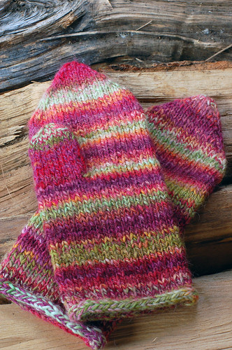 Tip Down Mittens | by helloyarn