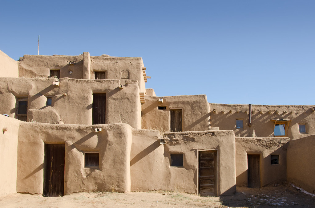 Taos pueblo adobe buildings flickr Building an adobe house