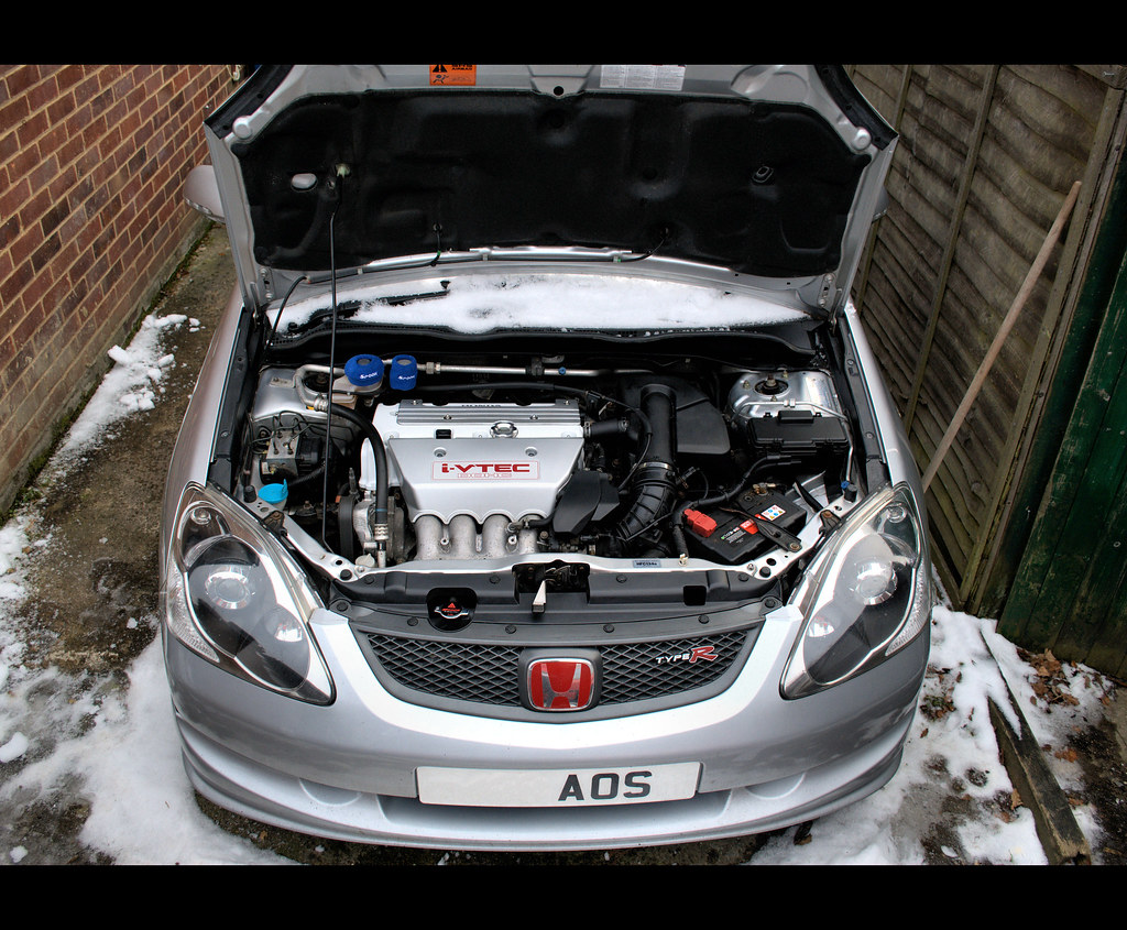Civic Type R >> EP3 engine bay | White rocker cover (Audi Ibis White ...