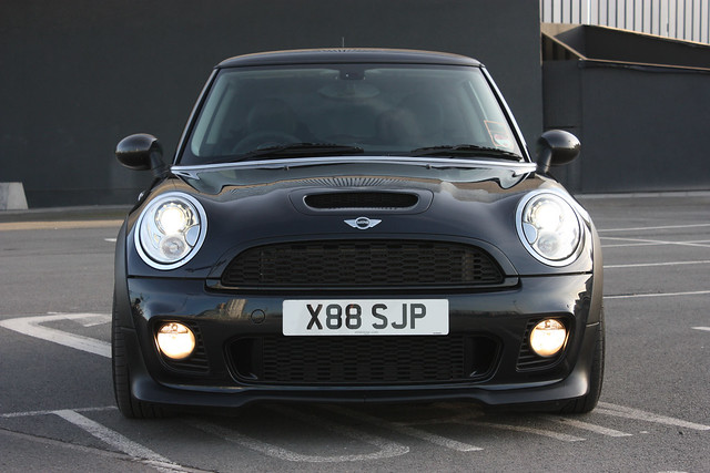 front r56 mini cooper s with jcw bodykit flickr photo. Black Bedroom Furniture Sets. Home Design Ideas