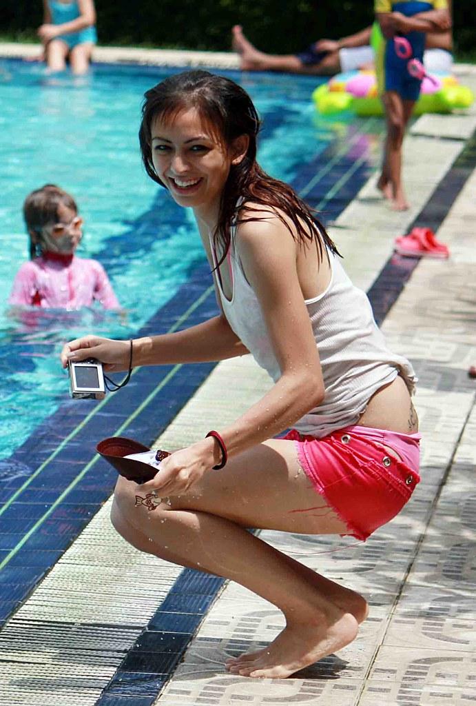 Singapore Girl  Michael Thirnbeck  Flickr-7832