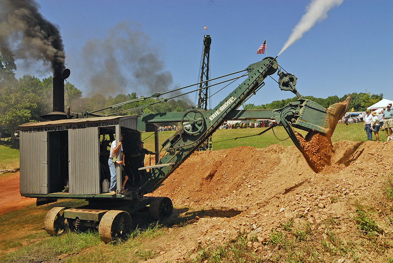 North Carolina >> Type B Erie Steam Shovel playing in the dirt. | At the 2009 … | Flickr