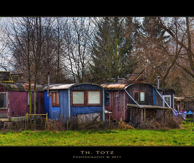 Alternative housing explore def110 39 s photos on flickr for Alternative housing