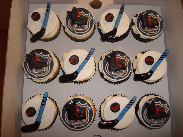Ice Hockey Cake Decorations Uk : NHL Ice hockey cupcakes Flickr - Photo Sharing!