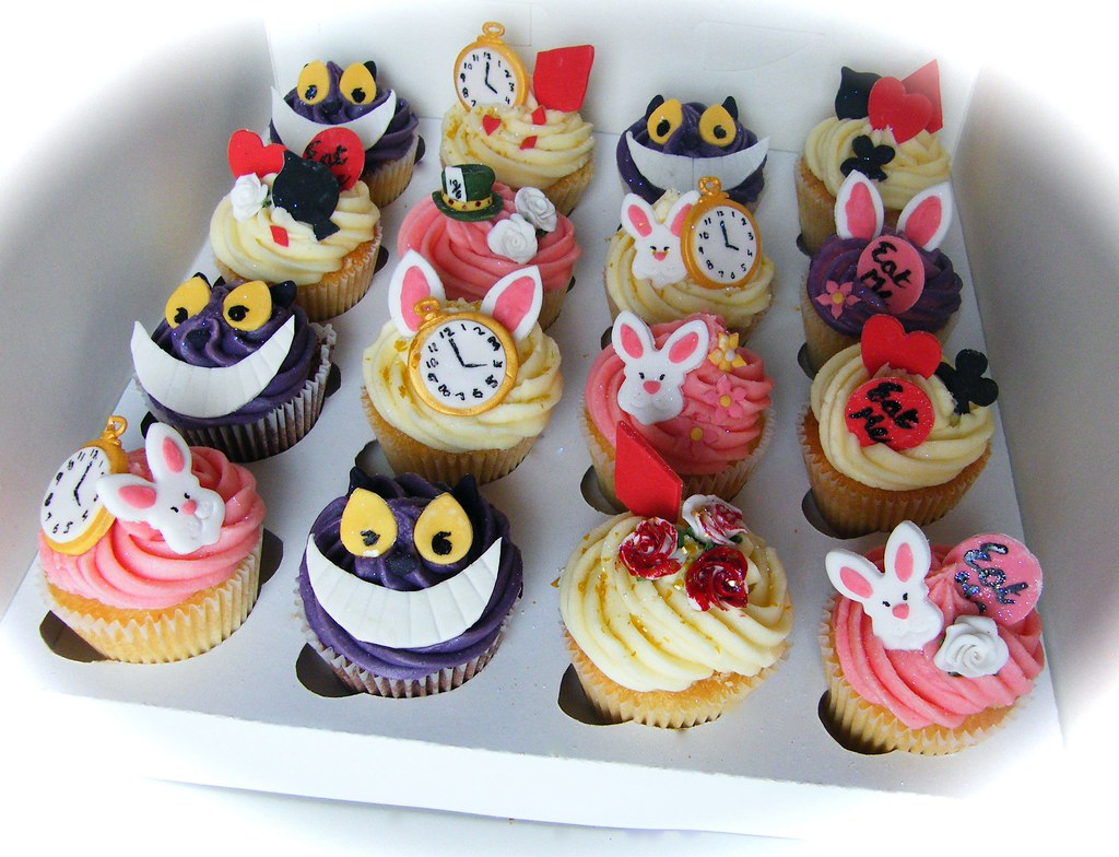 mad hatter cupcakes - photo #28