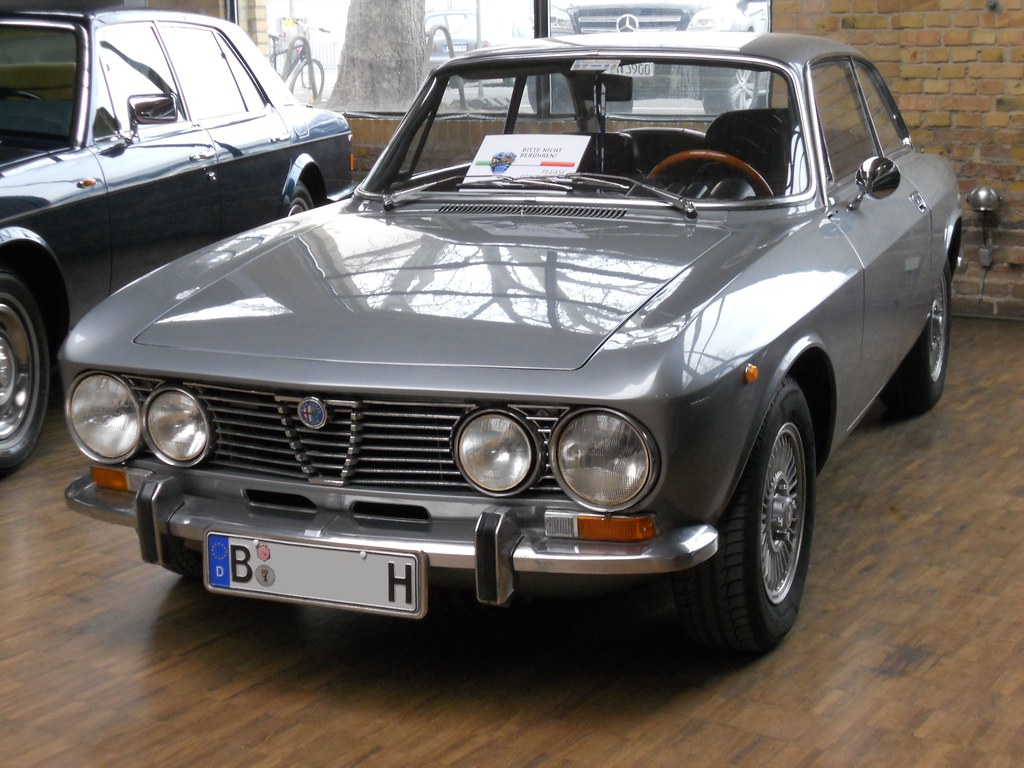 alfa romeo 2000 gtv bertone coup 1976 the alfa romeo 10 flickr. Black Bedroom Furniture Sets. Home Design Ideas