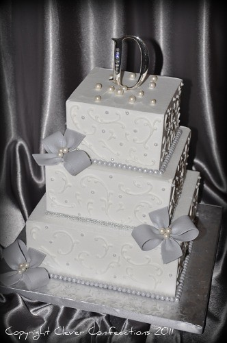 wedding cakes with diamonds and pearls and pearls wedding cake this sweet classic is 26019